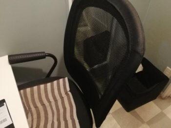 カラオケボックスの椅子