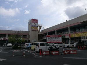 まねきねこ北越谷店の駐車場