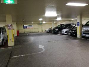 東村山店の駐車場