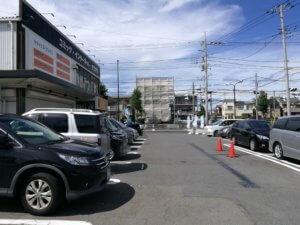 快活クラブ東大和店の駐車場