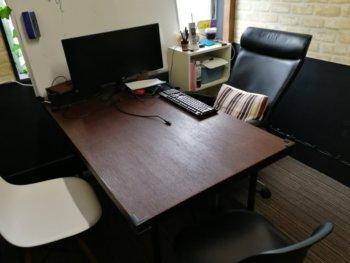 サムライズコワーキングの会議室