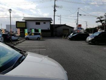 甲府上阿原店の第一駐車場