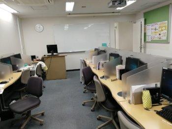 職業訓練校の教室風景